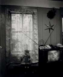 East 100th Street, printemps et boîte à pleurs Bruce Davidson 1966