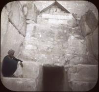 Entrée Pyramide de Cheops, ca 1900