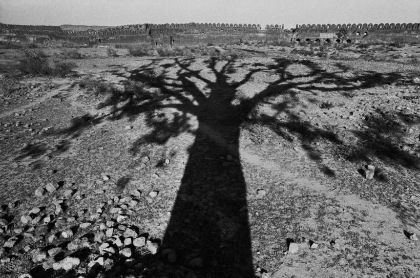 René Burri René Burri, 109 kms from south of Rawalpindi, Fort Rhotas, Pakistan, 1963