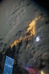 nuit, nuages d'orage sur la Californie du Sud.