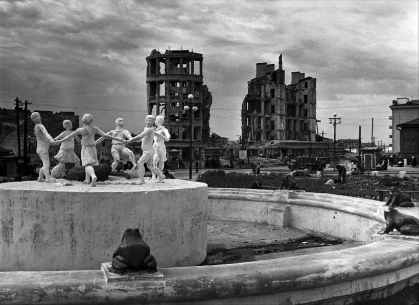 Robert Capa  Stalingrad 1947