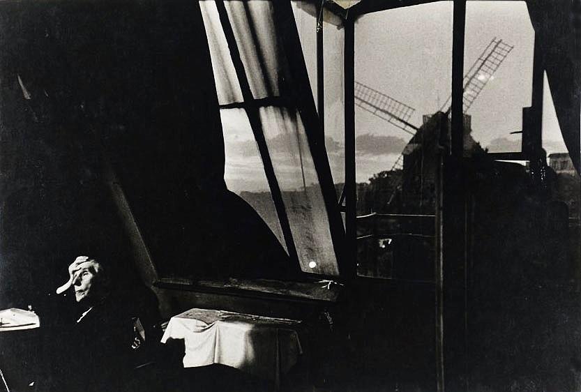Bruce Davidson, veuve de Montmartre, Mme Fauché, 1956