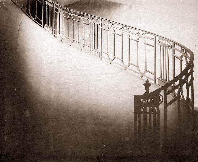 Eugène Atget Escalier. Hôtel de Jean de Fourcy, 30 rue des Francs-Bourgeois.