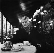Samuel Beckett au Petit Café, boulevard Saint-Jacques , Paris, 1985 par John Minihan