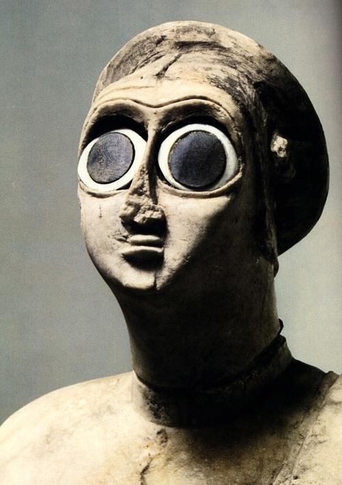 Statue sumérienne trouvée au Temple Abu à Tell Asmar de c.  2700 BCE