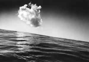 %22Untitled (Hateruma-jima, Okinawa), de la série %22The Pencil of the Sun%22 (1971)