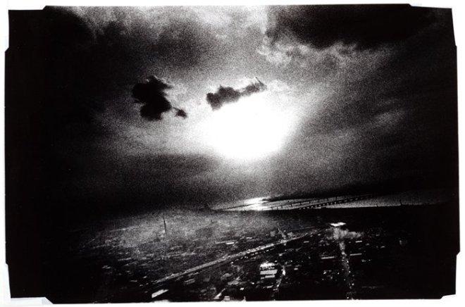 Daido Moriyama, Sans titre, de la série L'épopée en quelque chose de 1971 Source- http-::www.sfmoma.org:explore:collection:artwork:48391#ixzz3p122zdWc San Francisco Museum of Modern Art
